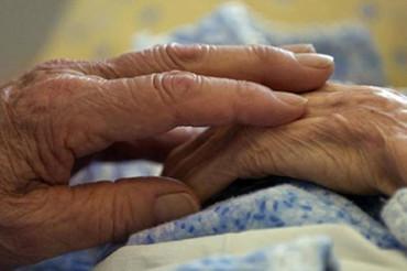 Capolona, venerdì incontro fra operatori e famiglie sull'Alzheimer