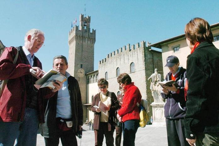 Turisti ad Arezzo