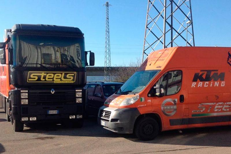 Rombano i motori della Steels Motocross