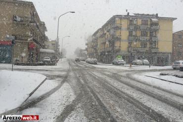Maltempo: prolungata allerta per neve, vento e mareggiate fino alle 24 di sabato