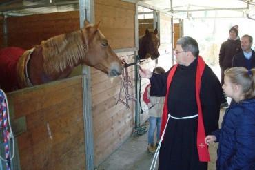 Porta Sant'Andrea: ieri la tradizionale Benedizione delle Scuderie