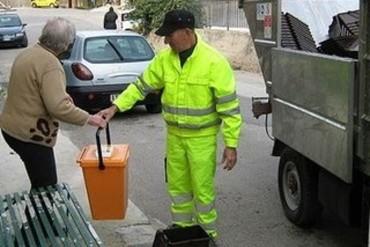 Raccolta rifiuti Porta a Porta nel Centro Storico di Cortona