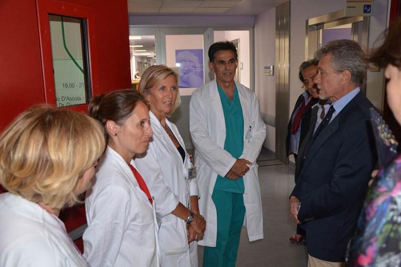 Il sindaco di Arezzo Ghinelli visita il San Donato