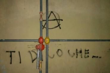 """Cortona, CasaPound cancella le scritte sui muri del Liceo Classico """"L.Signorelli"""""""