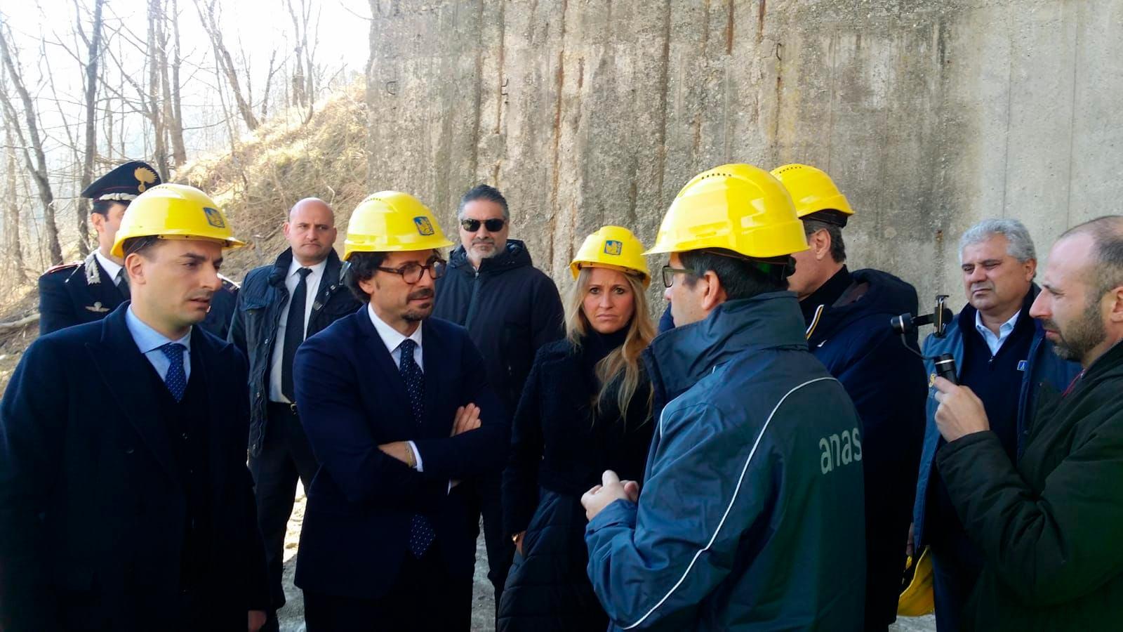 Silvia Chiassai Martini e il Ministro Danilo Toninelli sulla E45