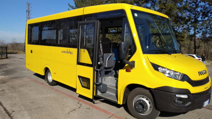 bus per il trasporto scolastico