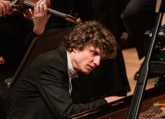 Il pianista ungherese Zoltán Fejérvári