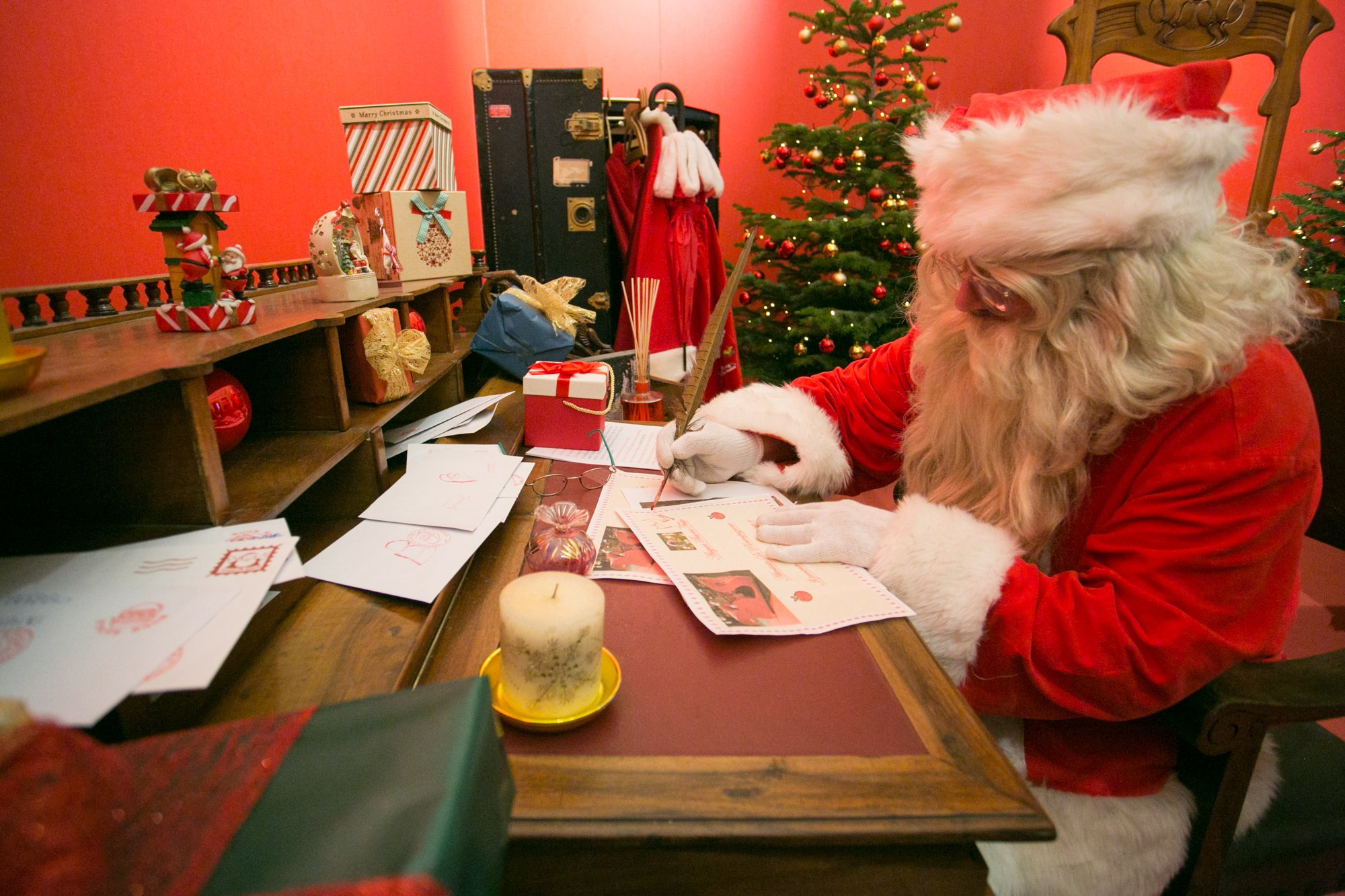 La Casa Di Babbo Natale Immagini.In Piazza Grande Arriva La Casa Di Babbo Natale Arezzoweb Informa